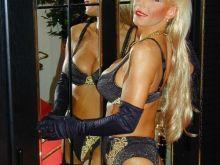 Une partouze avec deux femmes cougars de Hyères