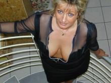 Plan cul avec une femme cougar de Beauvais aux gros seins