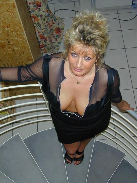 Beau Cul Blonde A Gros Seins - Videos Porno Gratuites