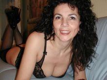 Rencontre avec une femme mature sexy à Annecy
