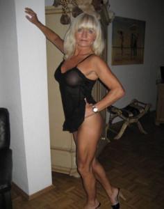 Rencontre une femme mûre à Annecy