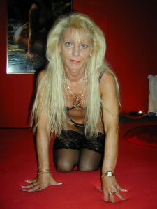 Sandrine jolie femme mure célibataire de Narbonne